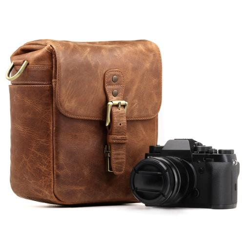 MegaGear Leather Messenger for Mirrorless, Instant