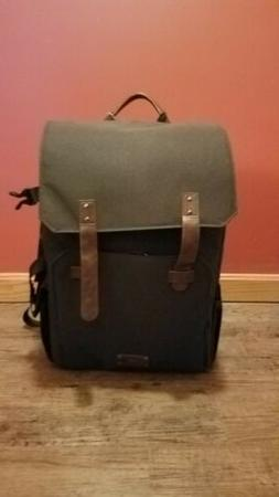 Bagsmart New York Camera Backpack - green. New with tags ver